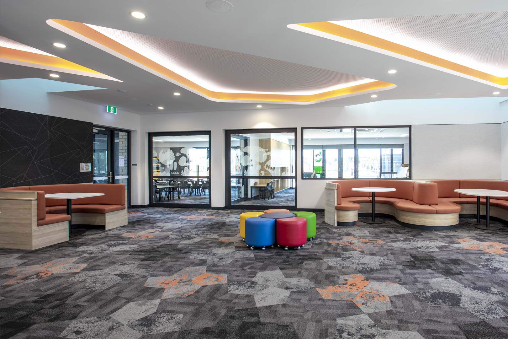 image of a general learning area in a school with glazed acoustic sliding door systems