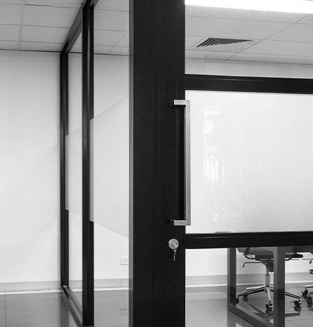 image of GLYDE fixed framing installed next to acoustic sliding door