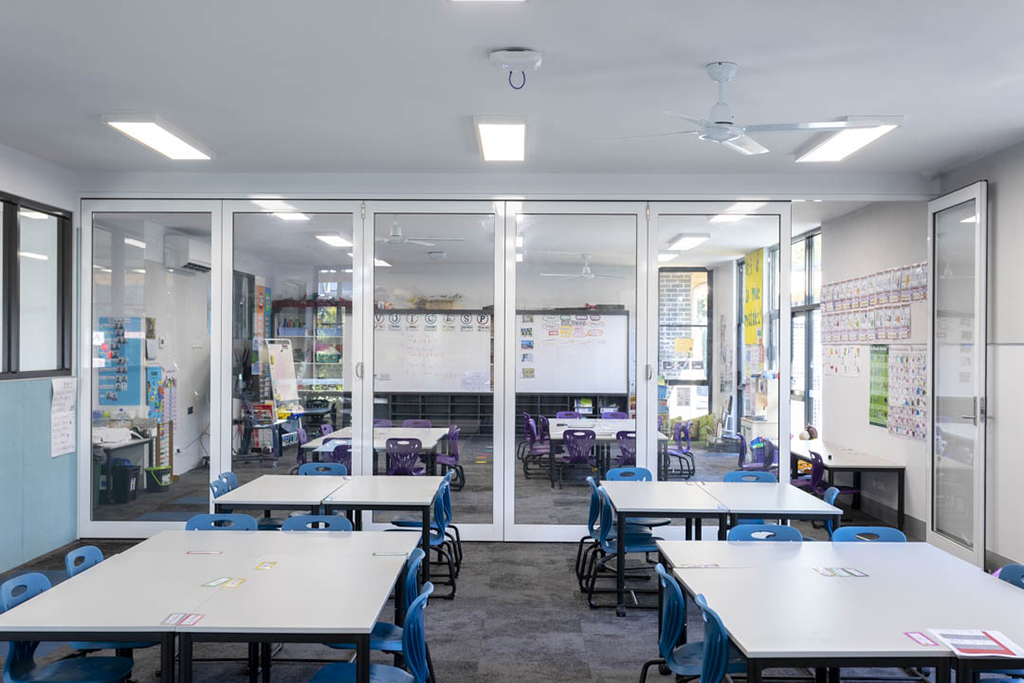 image of GLYDE single glazed doors installed in a primary school